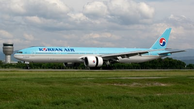 HL8250 - Boeing 777-3B5ER - Korean Air