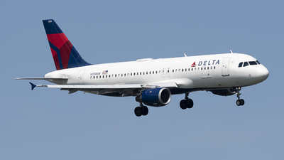 A picture of N355NW - Airbus A320212 - Delta Air Lines - © Andrew Mauro