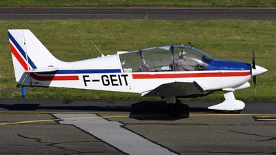 F-GEIT - Robin DR400/180R Remorqueur - Private