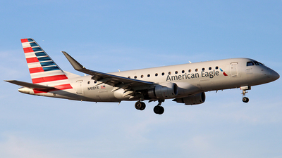 A picture of N418YX - Embraer E175LR - American Airlines - © Raul Sepulveda Merced