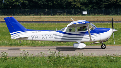 A picture of PHATW - Cessna F172N Skyhawk - [01802] - © C. v. Grinsven