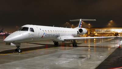 A picture of N657AE - Embraer ERJ145LR - American Airlines - © Craig L Baldwin
