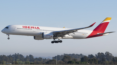 A picture of ECMYX - Airbus A350941 - Iberia - © Ezequiel Arpajou