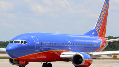 N646SW - Boeing 737-3H4 - Southwest Airlines