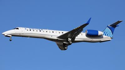 A picture of N11187 - Embraer ERJ145XR - United Airlines - © Len Schwartz