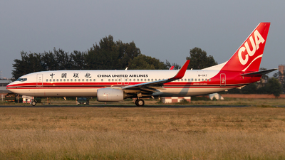 B-1147 - Boeing 737-89P - China United Airlines