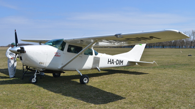 HA-DIM - Cessna 182F Skylane - Private