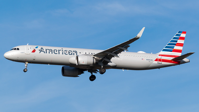 A picture of N408AN - Airbus A321253NX - American Airlines - © Evan Dougherty
