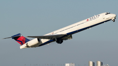 N934DN - McDonnell Douglas MD-90-30 - Delta Air Lines