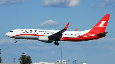 B-207G - Boeing 737-89P - Shanghai Airlines
