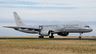 NZ7571 - Boeing 757-2K2(C) - New Zealand - Royal New Zealand Air Force (RNZAF)