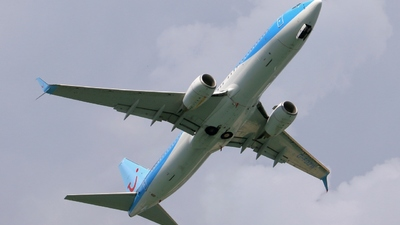G-FDZW - Boeing 737-8K5 - Thomson Airways