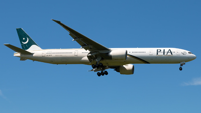 AP-BHW - Boeing 777-340ER - Pakistan International Airlines (PIA)
