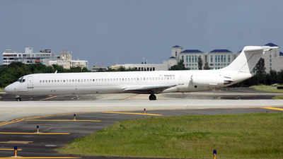 N982CA - McDonnell Douglas MD-82 - Untitled