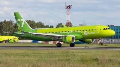 VP-BOJ - Airbus A320-214 - S7 Airlines