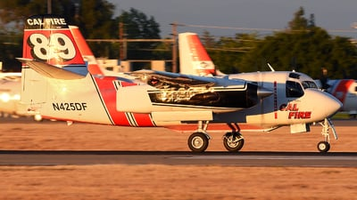 N425DF - Grumman S-2F3AT Turbo Tracker - United States - California Department of Forestry