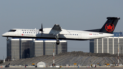 A picture of CGYJZ - De Havilland Canada Dash 8400 - Air Canada - © Tianyi Liu