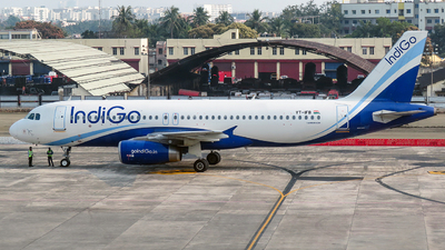 A picture of VTIFB - Airbus A320232 - IndiGo - © Fo.Prottay
