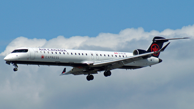 C-GLJZ - Bombardier CRJ-705LR - Air Canada Express (Jazz Aviation)
