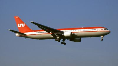 D-AMUR - Boeing 767-3G5(ER) - LTU