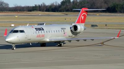 N8894A - Bombardier CRJ-440 - Northwest Airlink (Pinnacle Airlines)