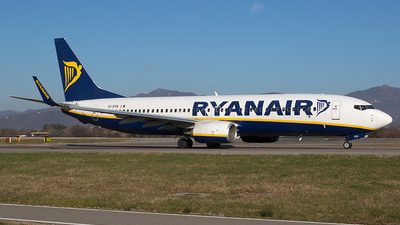 A picture of EIEVG - Boeing 7378AS - Ryanair - © Roberto Bianchi