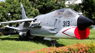 147056 - Vought F-8P Crusader - Philippines - Air Force