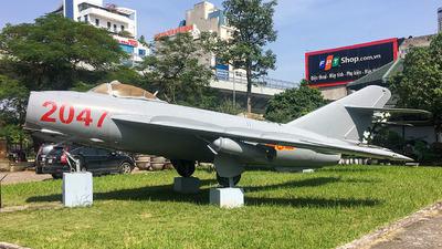 2047 - Mikoyan-Gurevich MiG-17 Fresco - Vietnam - Air Force