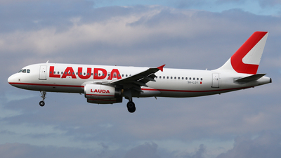 9H-LOY - Airbus A320-232 - Lauda Europe