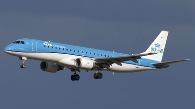 A picture of PHEZN - Embraer E190STD - KLM - © if