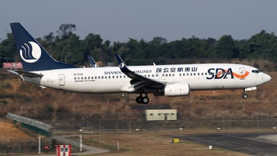 A picture of B5111 - Boeing 73785N - Shandong Airlines - © baobao723
