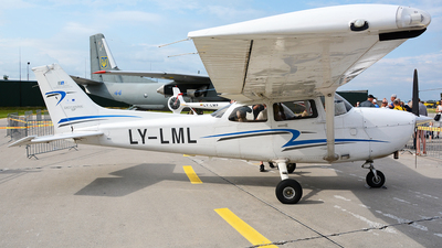 LY-LML - Cessna 172S Skyhawk SP II - Private