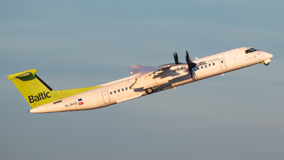 A picture of YLBAQ - De Havilland Canada Dash 8400 - [4313] - © Limare.atc