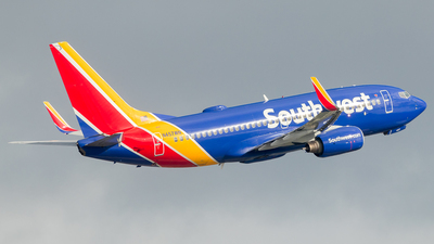 A picture of N457WN - Boeing 7377H4 - Southwest Airlines - © Luis Corrales H