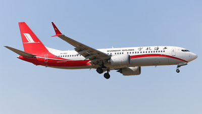 A picture of B1382 - Boeing 737 MAX 8 - Shanghai Airlines - © sam fu