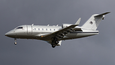 M-AFAC - Bombardier CL-600-2B16 Challenger 604 - Private