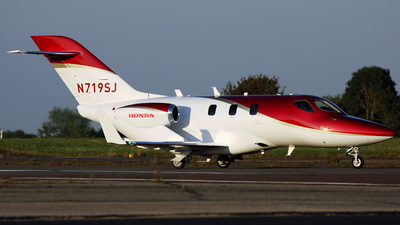 A picture of N719SJ - Honda HA420 HondaJet - [42000149] - © Terry Wade