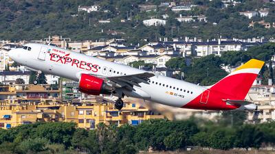 EC-MCB - Airbus A320-214 - Iberia Express