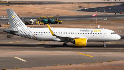 A picture of ECNAZ - Airbus A320271N - Vueling - © Pablo Gonzalez de Leon