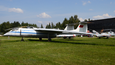 CCCP-17103 - Myasischev M-17 Stratosfera - Russia - Air Force