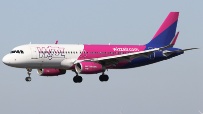 A picture of HALSB - Airbus A320232 - Wizz Air - © Holm H