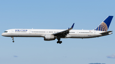 A picture of N57852 - Boeing 757324 - United Airlines - © Marco Papa