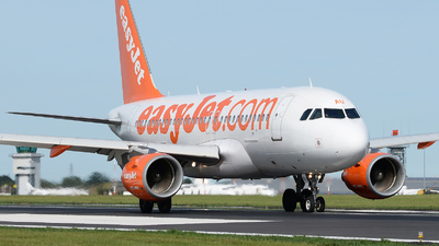 G-EZAU - Airbus A319-111 - easyJet