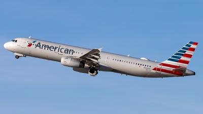 N925UY - Airbus A321-231 - American Airlines