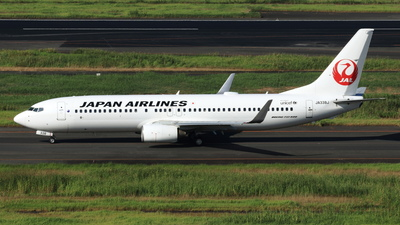 JA338J - Boeing 737-846 - Japan Airlines (JAL)