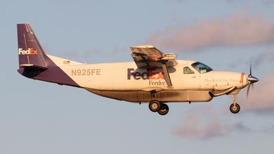 N925FE - Cessna 208B Super Cargomaster - FedEx Feeder (CSA Air)