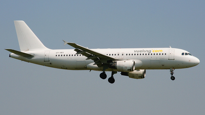 LY-VEY - Airbus A320-212 - Vueling (Avion Express)