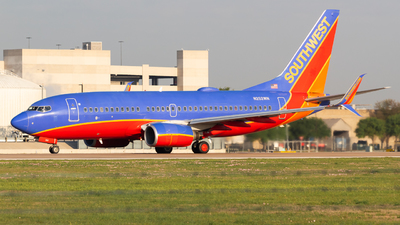A picture of N252WN - Boeing 7377H4 - Southwest Airlines - © Saul Hannibal