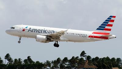 N109UW - Airbus A320-214 - American Airlines