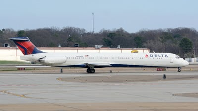 N950DL - McDonnell Douglas MD-88 - Delta Air Lines